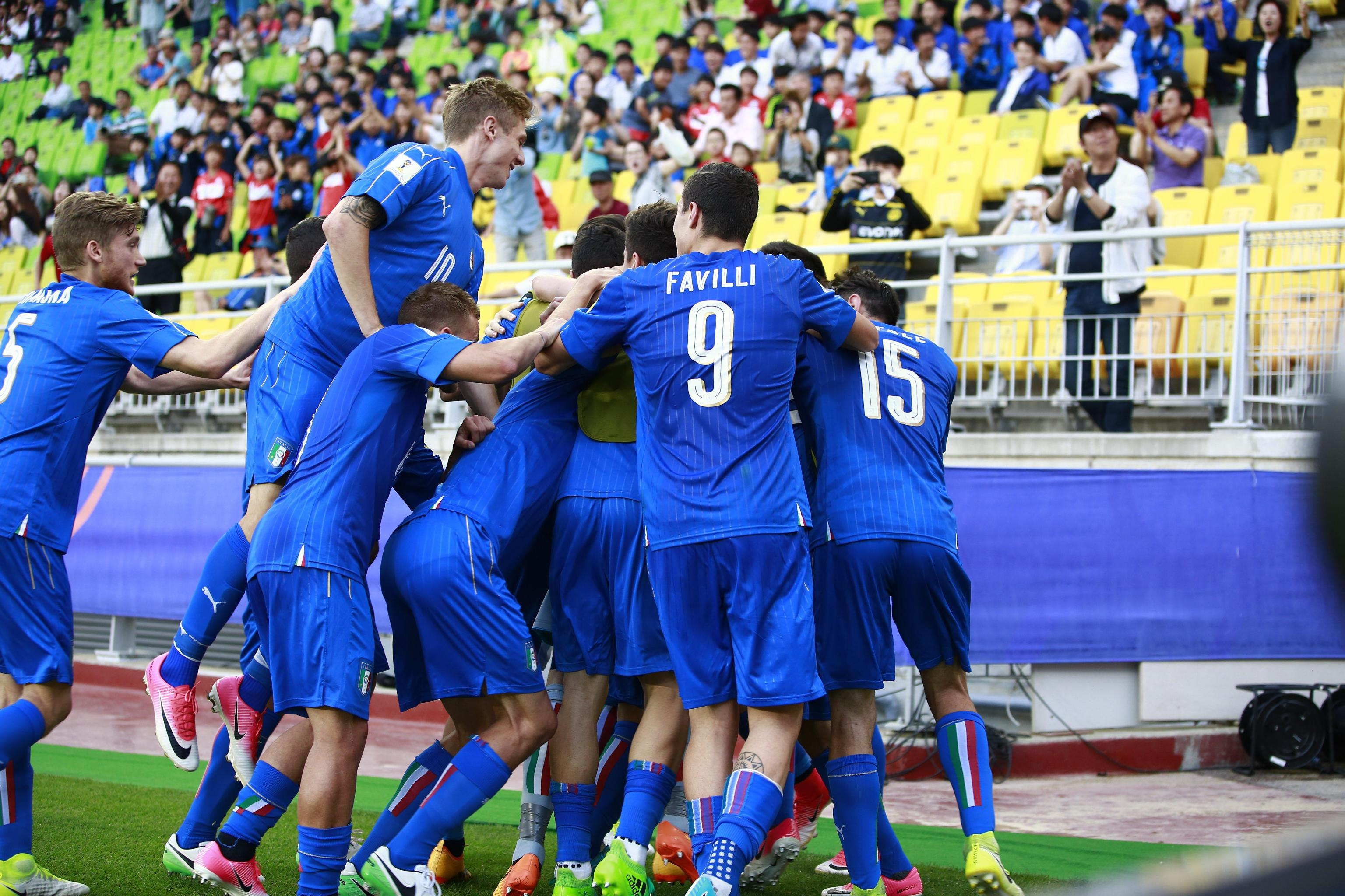 epa06011474 Federico Dimarco of Italy celebrates after scoring during the quarter final match of the FIFA U-20 World Cup 2017 between the Italy and Zambia in Suwon World Cup Stadium, South Korea, 05 June 2017. EPA/JEON HEON-KYUN
