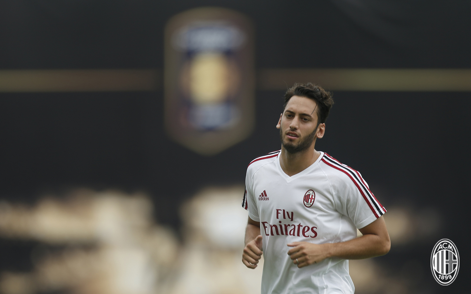 Foto LaPresse - Spada 15 Luglio 2017 - Guangzhou (Cina) A.C. Milan - Tournee Cina 2017 - Allenamento pomeridiano Sport Calcio Nella foto: Hakan Calhanoglu Photo LaPresse - Spada July 15, 2017 Guangzhou (China) Sport Soccer A.C. Milan -China Tournee 2017 - training session In the pic: Hakan Calhanoglu