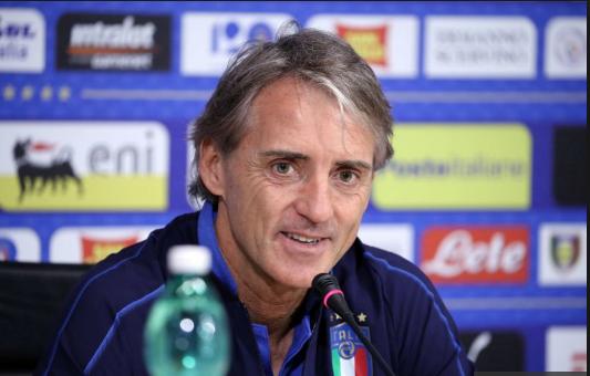 Roberto Mancini oo ka warbixiyay go'aanka Gianluigi Buffon kaga aadan inuu ka fariisto kubada cagta.
