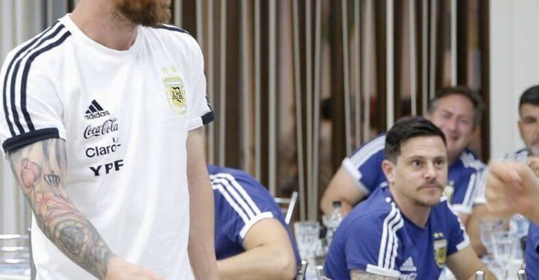 Messi oo xaflada dhalashadiisa ku dhex dhigtay xerada tababarka Argentina ka hor kulanka Nigeria +SAWIRRO