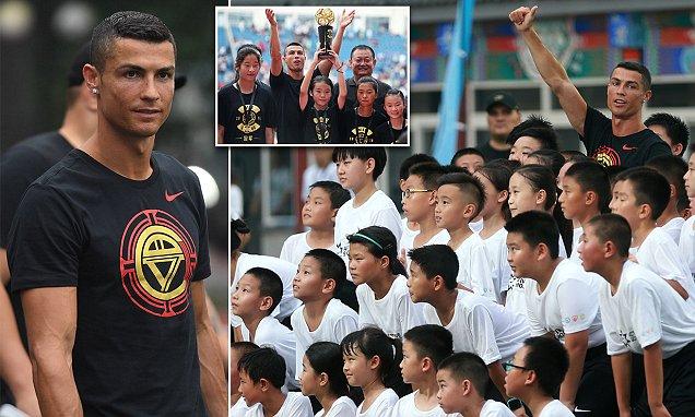 Cristiano Ronaldo oo ku Dalxiisaya China iyadoo ay Kulan Saaxiibtinimo Balansan yihiin Juventus iyo Real Madrid…MA CAYAARAYAA DHEESHAAS ?