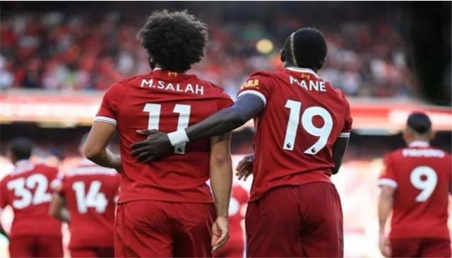 Klopp oo bilaabay olole uu ku difaacayo Mohamed Salah, kadib hoos u dhaca ku yimid qaab ciyaareedkiisa