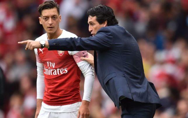 Mesut Ozil oo FARIINTAN la wadaagay Saaxiibadiisa Arsenal