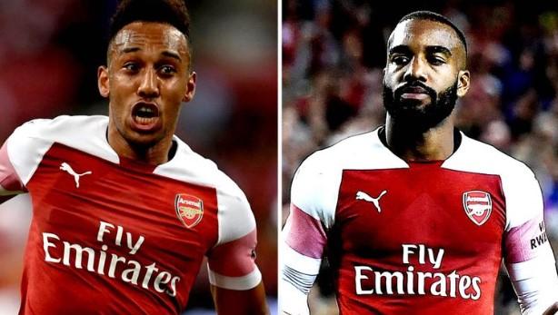 PSG oo badelka Edinson Cavani ka dhex aragta kooxda Arsenal